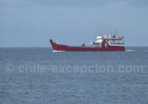 Ferry sur le détoit de Magellan