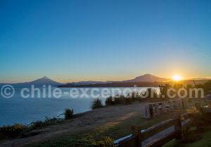 Soleil couchant sur les volcans depuis le Cumbres