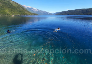 Baignade dans le Lago Azul