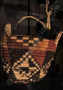 Bonnet à 4 pointes, laine de lama, Phase Maytas San Miguel 700 - 1350 apr.J.-C.