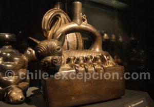 Féline allaitant, culture Chimu 1200 - 1532 apr.J.-C.