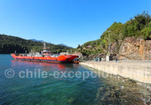 Barcaza Caleta Puelche