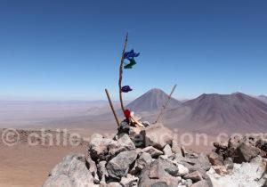 Volcans Licancabur et Juriques, depuis le Toco