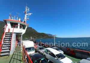 Jonction en ferry fjord Reloncavi Route Australe