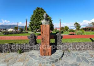 Statue de Hernan Merino Correa à Chaiten