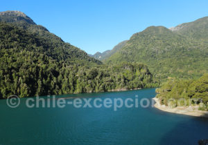 Rio Puelo en allant vers le lac Tagua Tagua