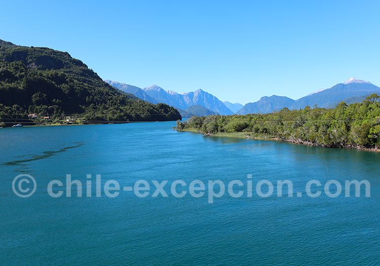 Rivière Yelcho le matin