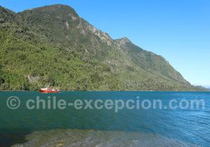Arrivée du ferry pour traverser le lac Tagua Tagua