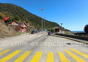 Zone d'attente pour la traversée en transbordador à Caleta Puelche