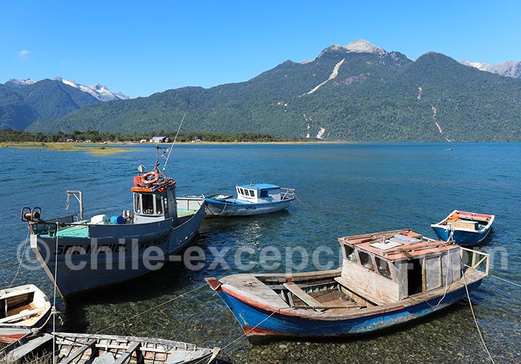 Bateaux de pêcheurs à Hornopiren