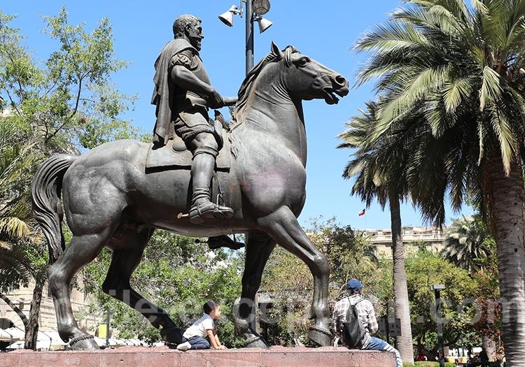Pedro de Valdivia, place d'Armes de Santiago du Chili